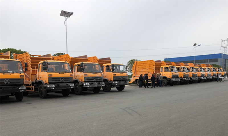 120units of swing arm garbage truck exported to Madagascar