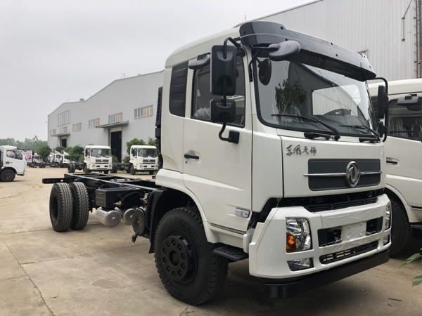Dongfeng 8t XCMG boom crane truck export to Philippines
