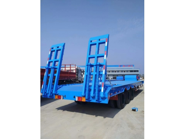Three-axis low-flat (excavator) transport semi-trailer from Chengli