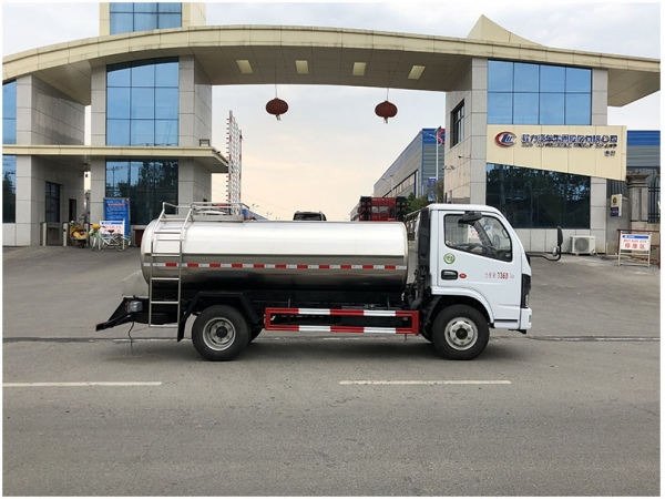 Dongfeng 4-5m3 fresh milk transport truck for sale