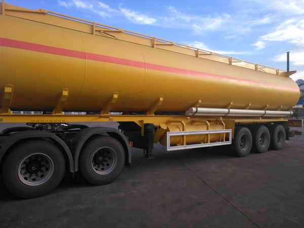 45000L fuel tanker trailer with French type vavles exported to Mali
