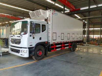 Dongfeng 4x2 Chicks and chicken transport truck